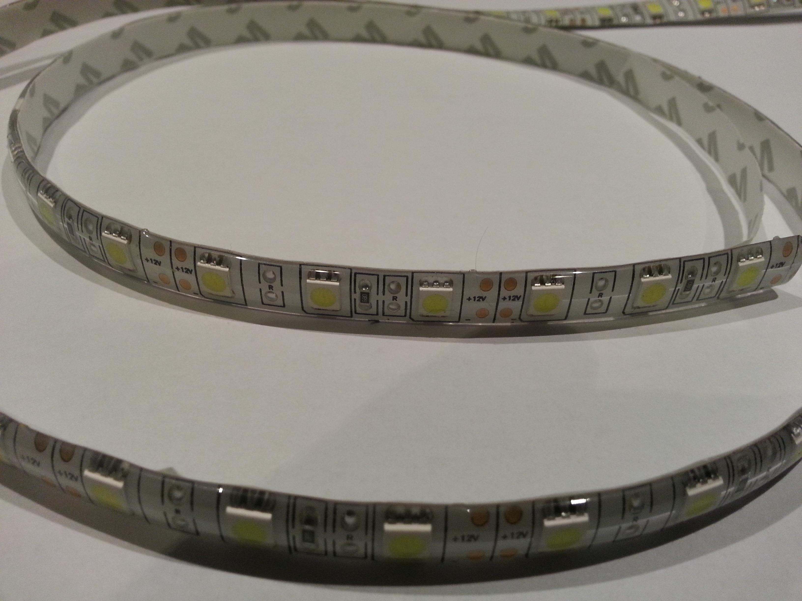 Koud Wit Licht : Led strip 14.4 w m 60 leds m koud wit rebulb.be